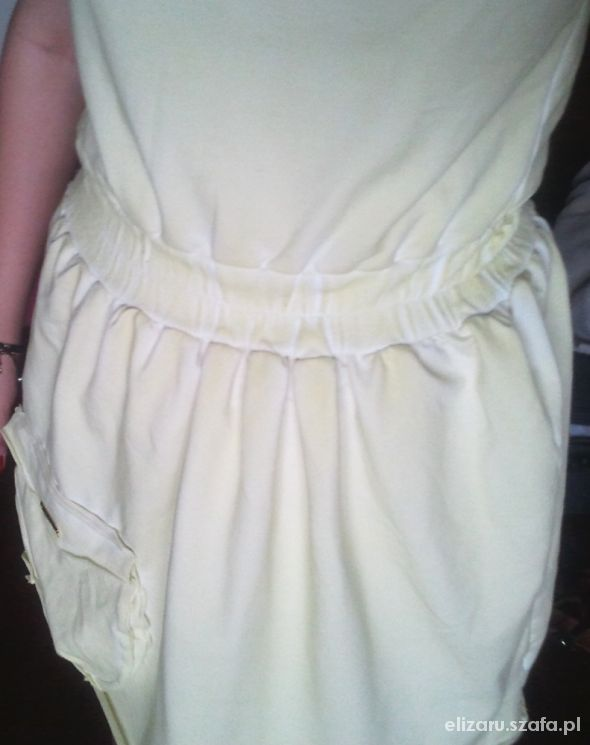 Dresowa dekatyzowana sukienka...