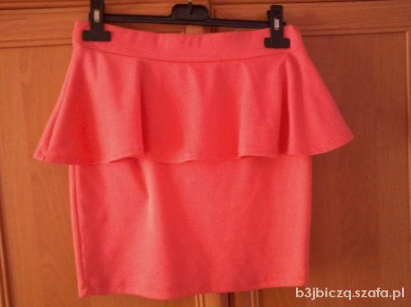 Spódnice spodniczka z baskina