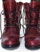 Bordowe buty
