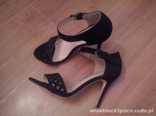Szpilki czarne Sandalki cekiny