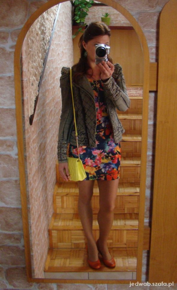 Kwiaty i jeans