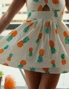 Sukienka w ananasy