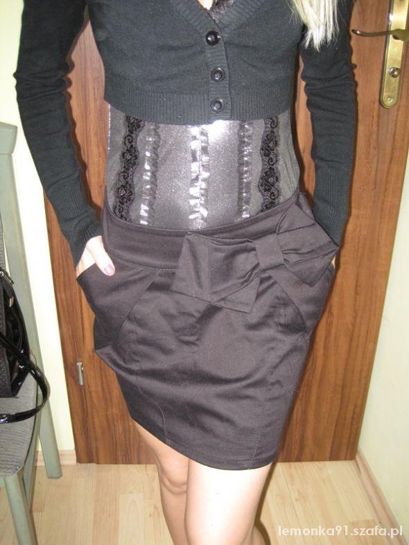 Spódnice czarna spódnica z kokardką