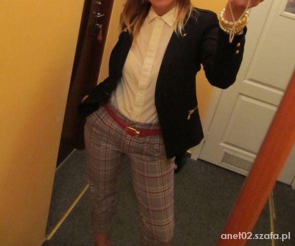 Do pracy Kraciaste spodnie biała koszula vintage