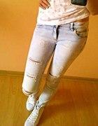 dziurawe jeansy