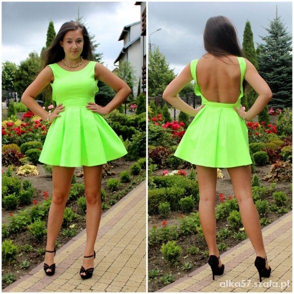 Eleganckie Neonowa rozkloszowana sukienka z gołymi plecami
