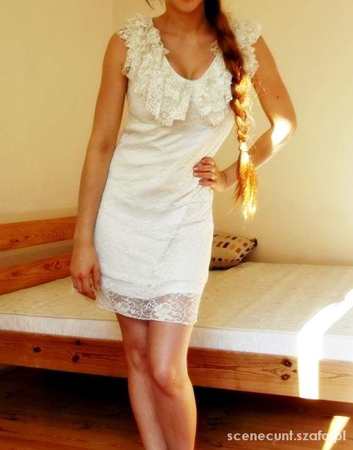 śnieżnobiała koronkowa sukienka cudo biała