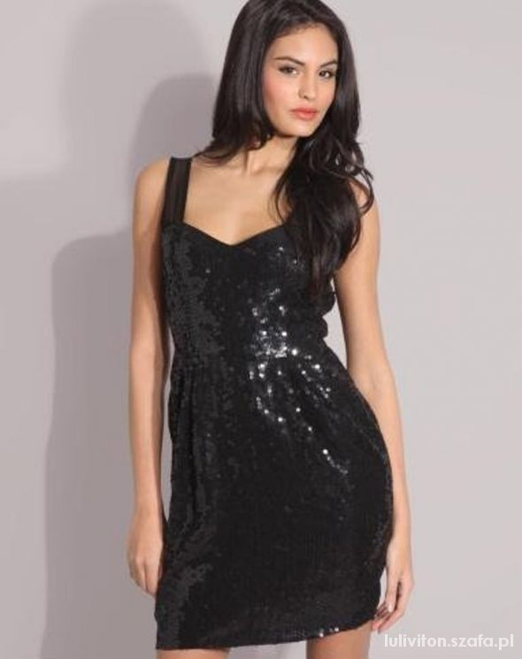 Sukienki wieczorowe galeria...