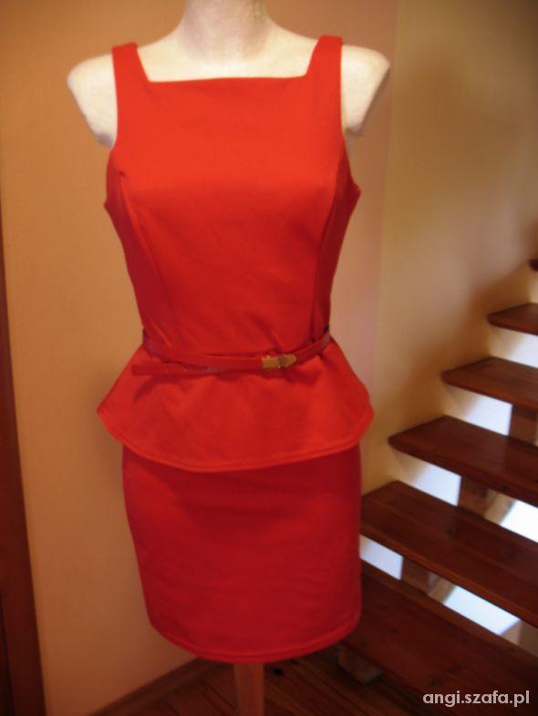 Sliczna sukienka z baskinka