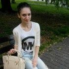 Biel jeans i pudrowy róż