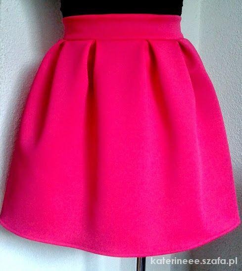 Spódnice Piękna rozkoszowana spódniczka amarant