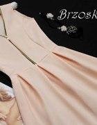 36 S brzoskwiniowa sukienka klosz