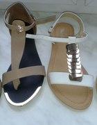 Sandałki z Wyprzedaży