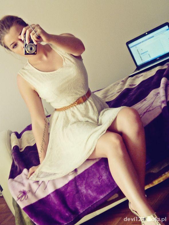 Romantyczne koronkowa sukieneczka