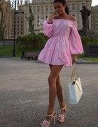 Różowa sukieneczka