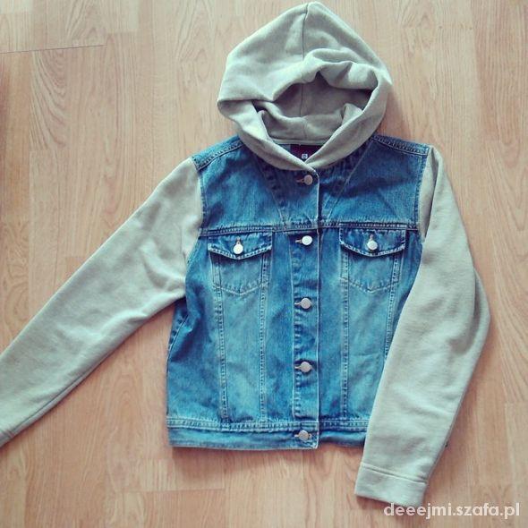 Jeansowa kurtka z dresowymi rękawami