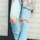 snake print&ripped jeans