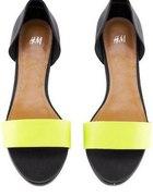żółte sandały hm