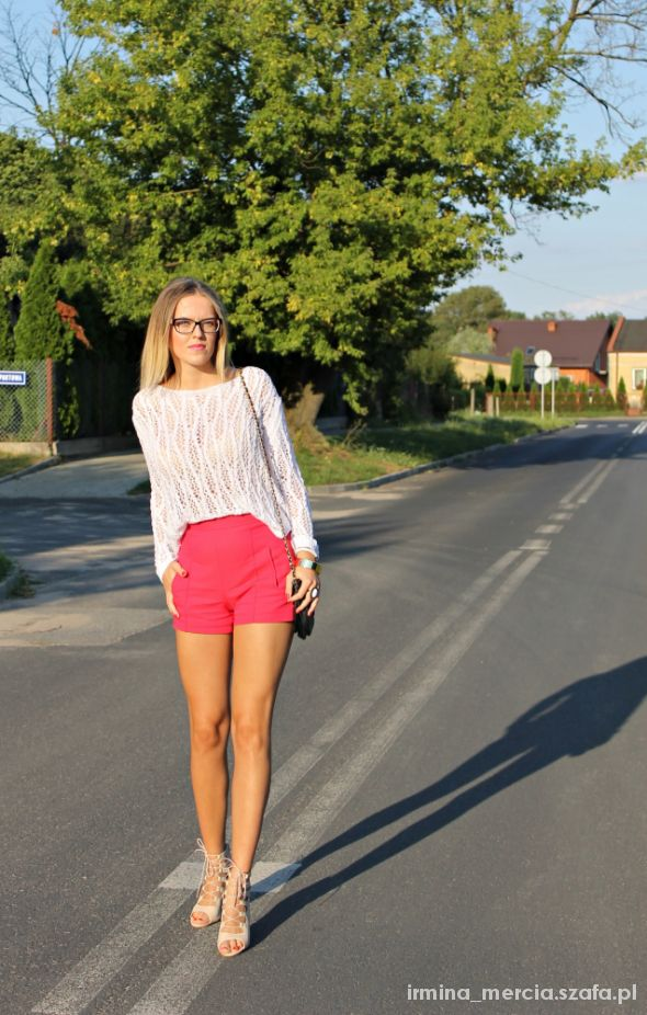 Blogerek White sweater & impress heels
