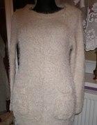 włochaty sweter z kapturem