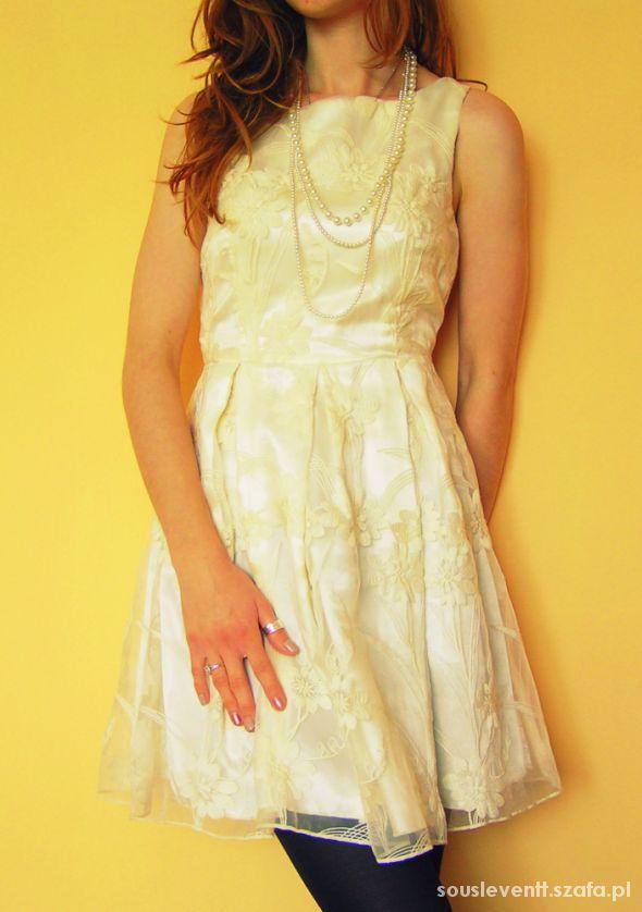 Vintage Biała koronkowa sukienka