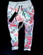 spodnie baggy dresowe w kwiaty