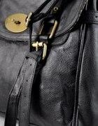 Czarna torba listonoszka ATMOSPHERE