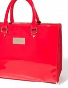 czerwony lakierowany kuferek mohito...