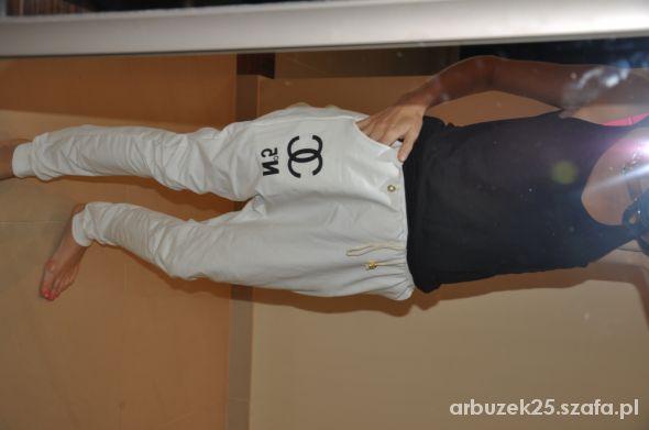 spodnie biale dresowe chanel