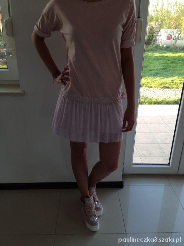 Włoska dresowa sukienka z tiulem