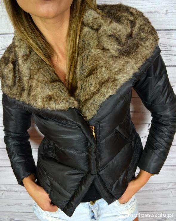Pikowana kurtka z futrzanym kolnierzem
