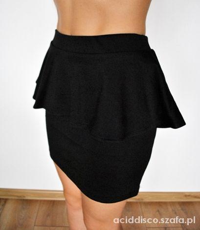 Spódnice 33 Czarna spódnica baskinka