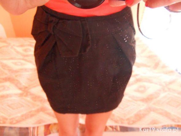 Spódnice Czarna spódniczka mini bombka kokardka M