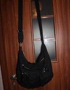 Czarna materiałowa torba
