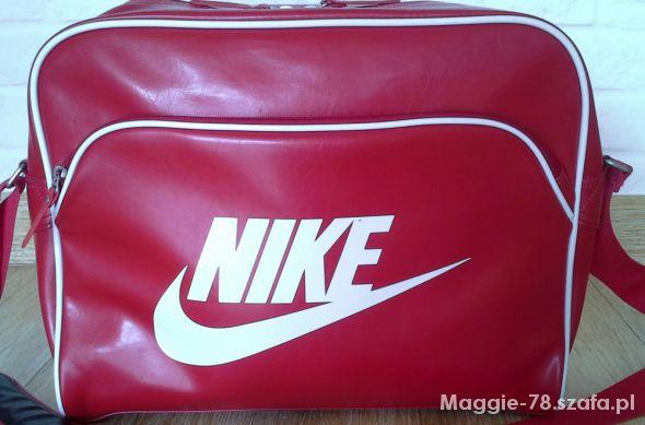 cc74720b9d296 Duża sportowa torba NIKE czerwona na laptopa w Torebki na co dzień ...