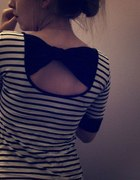 Tania bluzeczka w paski kokardka paseczki