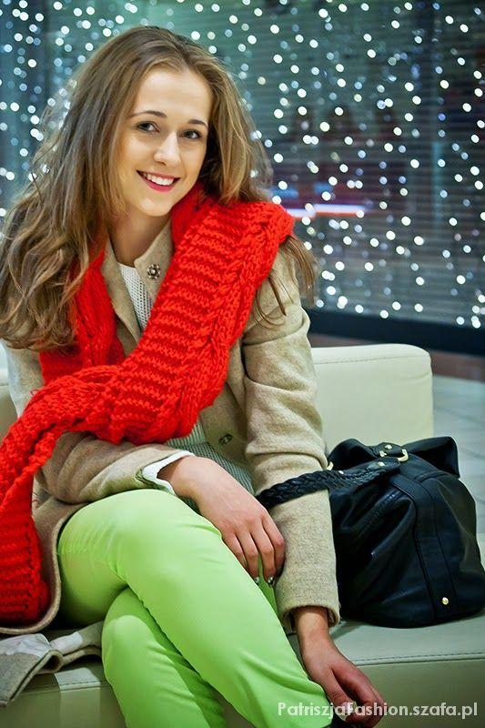 sweter płaszcz i szlik z second hand