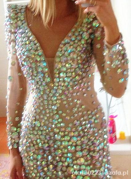 kupię sukienkę z kamieniami