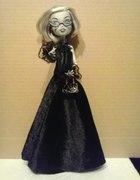 uszkodzona Barbie i Monster High