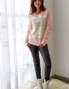 jasno różowa bluza z napisami