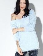 włochaty jasno niebieski sweterek cropp