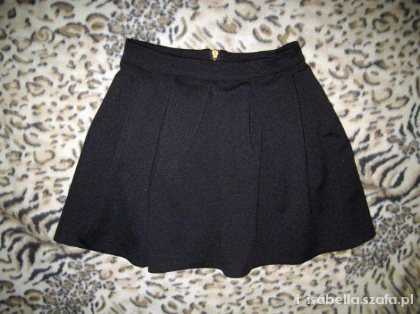Spódnice rozkloszowana spódniczka