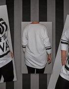 Długa biała bluza z napisem rozmiar z metki 44