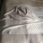 Szal Louis Vuitton popielaty z srebrną nitką