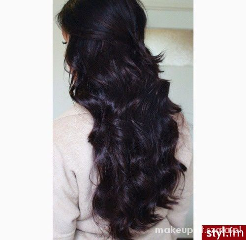 długie włosy...