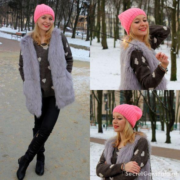 Blogerek Sweter w serduszka