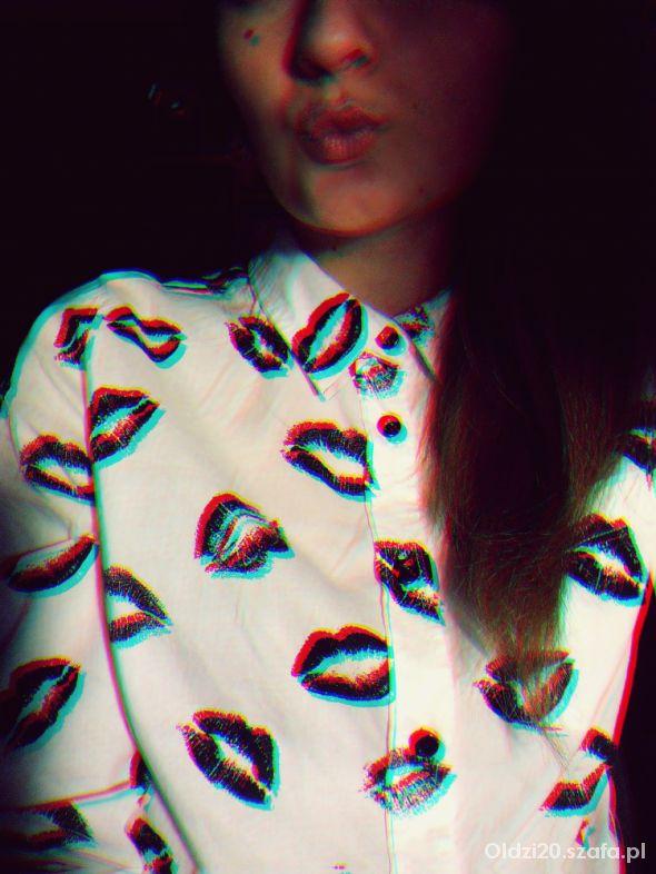 Romantyczne Całuśna koszula