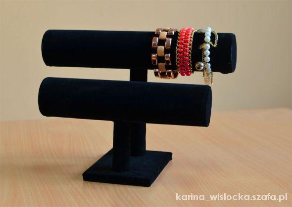 stojak ekspozytor na bransoletki biżuterię