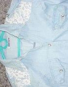 Jeansowa koszula z koronkową wstawką