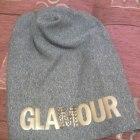 Blogerska czapka Glamour